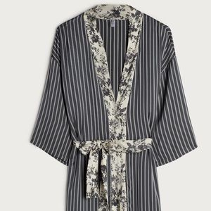 Intimissimi grey deco satin robe!